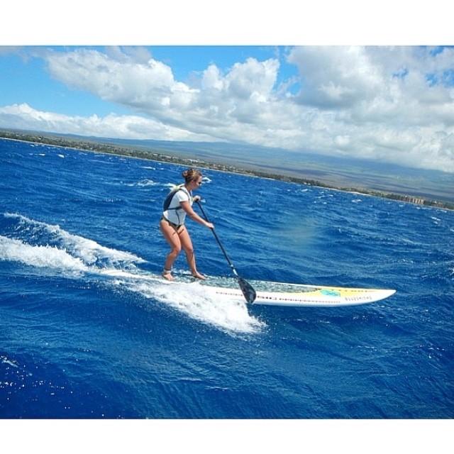 Bailey Rosen training in Hawaii. #miolainaction #miola #hawaii #sup #baileyrosen #theamazingtalentedbaileyrosen