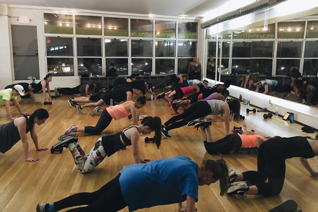Core to the floor for tonight's #HICKIESFit experience with @fitforbroadway and @corerhythmfitness