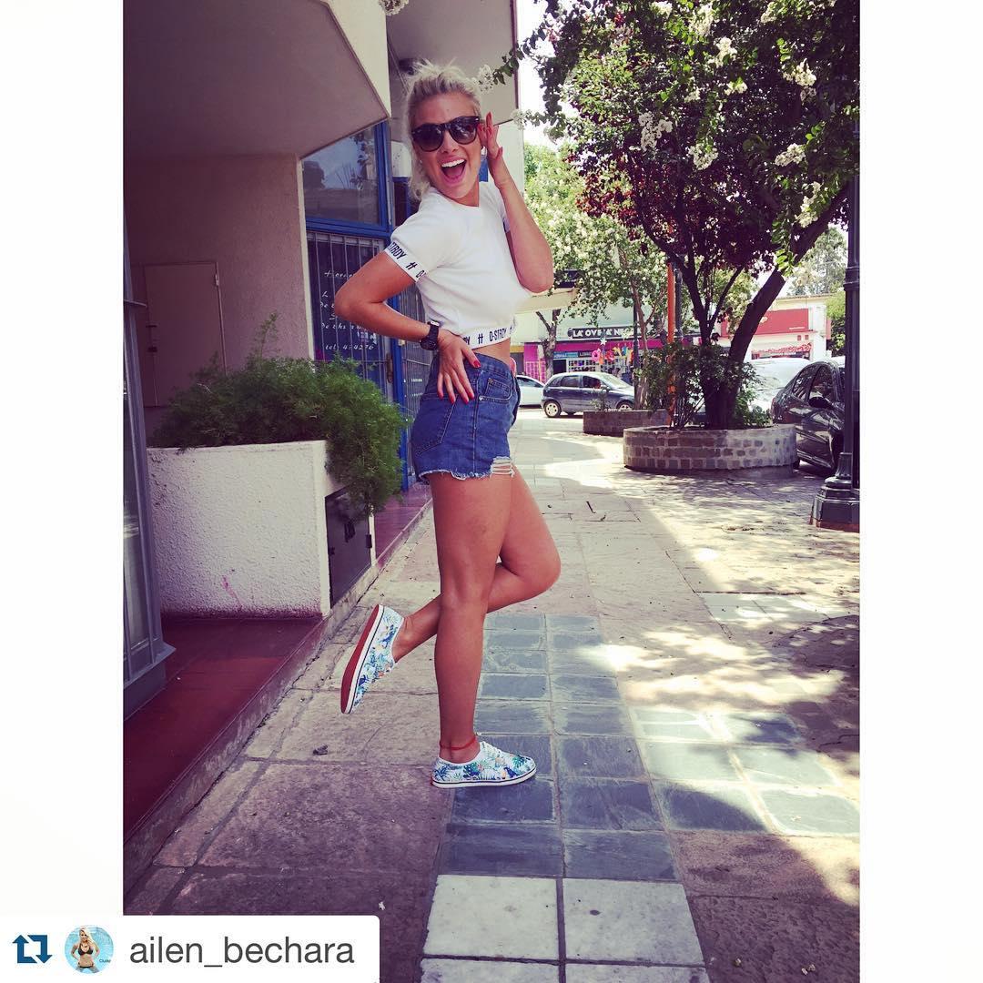 @ailen_bechara recorriendo la ciudad con sus zapatillas Milha™ Edición Limitada. Made to Enjoy! www.milha.com.ar