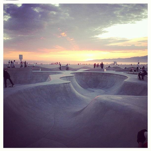 Regram @asher_bradshaw . #snakerun #concretedreams #heaven #veniceskatepark #skateboarding #santamonicamountains #californiadreaming :)