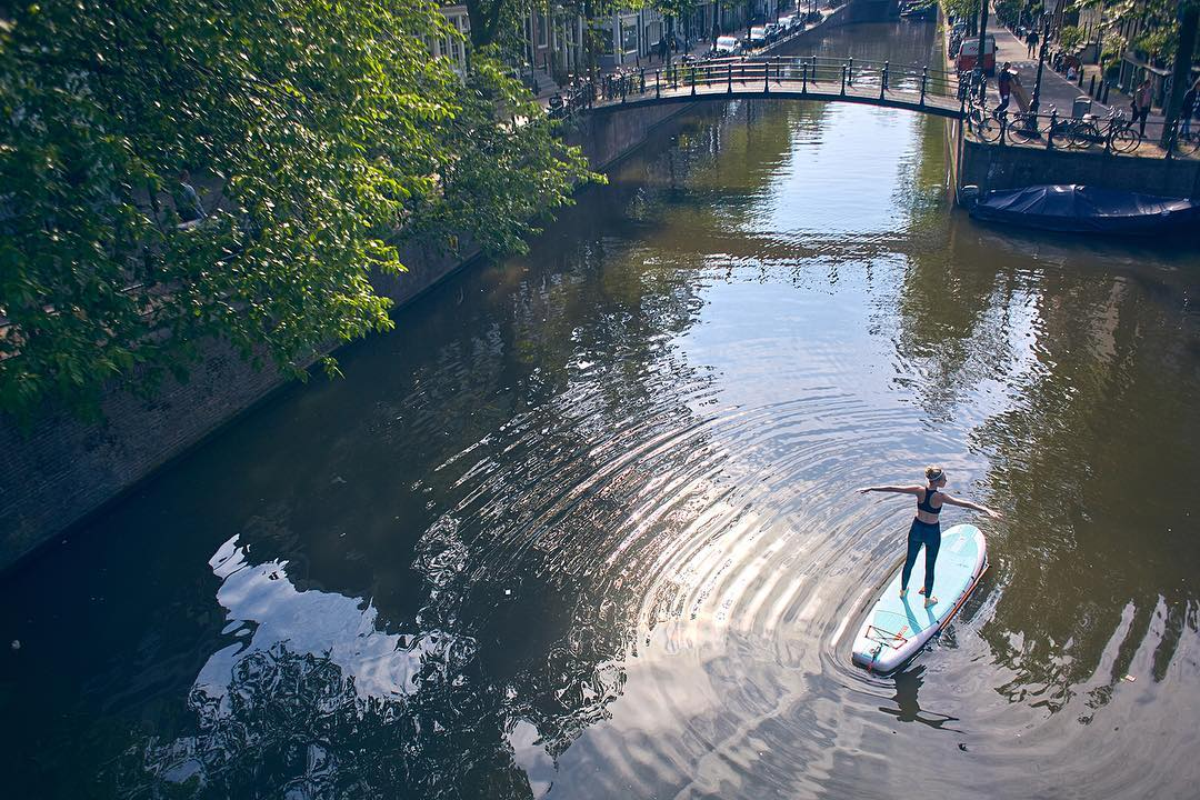 Discover your city's canals can be your outdoor Yoga-gym! What would be your favorite Yoga-pose?