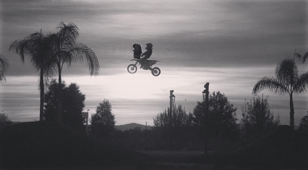 @dangerboydeegan was out riding with his new friend the other night #ET #extremeterrestrial #dangerboyz