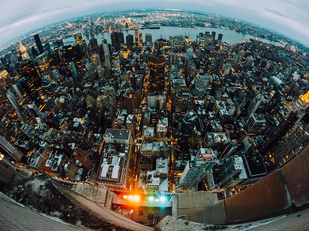 @thaliamilian switches up the #humpday routine with a trip to the top of the #empirestatebuilding. #GoPro #NYC