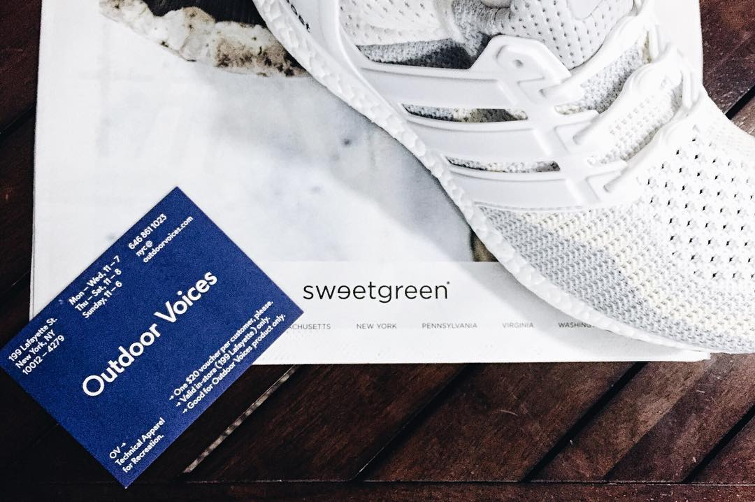 When the #LifeWithoutLaces lifestyle comes full circle. The unbeatable combo thanks to @rosaliachann @sweetgreen @outdoorvoices & @modelfit. This, is #HICKIESFit. #getrealwithrosie