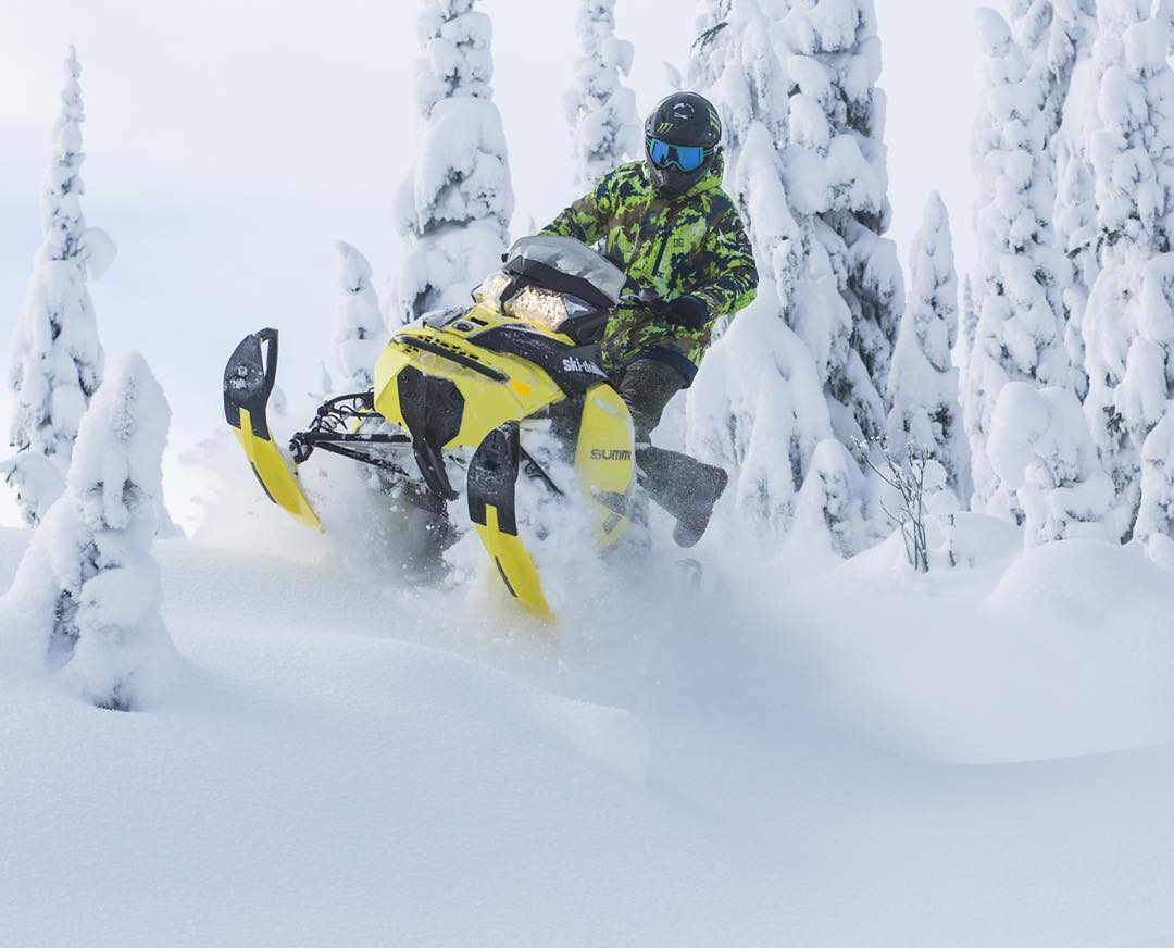 #TBT, just hitting a little jump through some dreamy Canadian powder-filled trails on my @SkiDooOfficial Summit X sled at @Baldfacelodge last December. It's mind boggling to see how much snow they get up in those mountains.