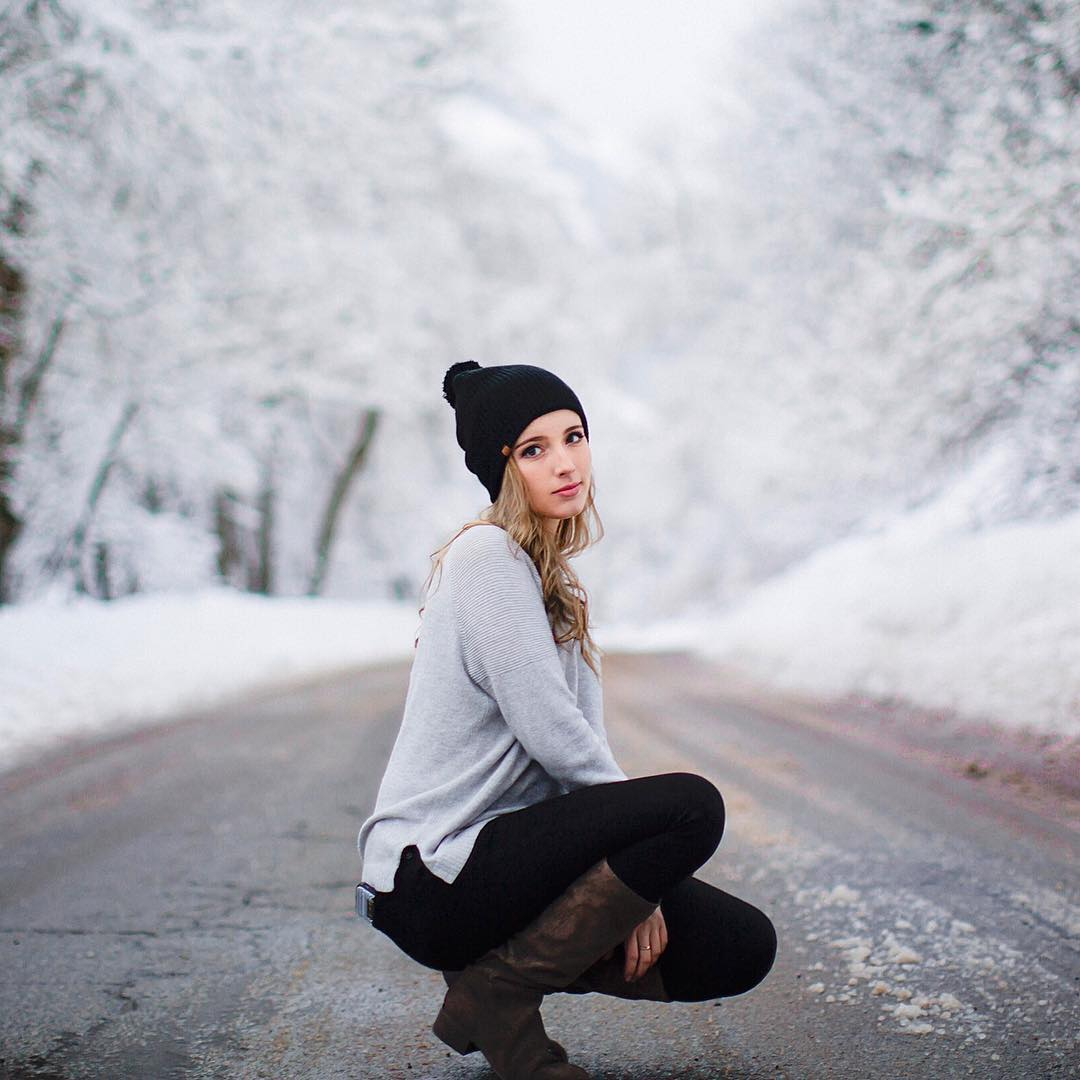 The Lux Pom beanie at it's best! Photo by: @camillebrenae Tap the link in the bio to snag one for yourself. Kameleonz is now KZ! Offering you more gear to get your adventure on! #kameleonzisKZ #KZgear #beautahful #utahgram #winter #beanieseason...