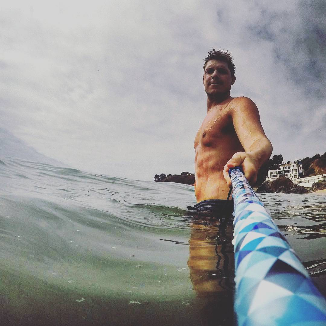 Prisma Tall Ice en manos de @atebi en el mar. ¿Ya tenés tu Pole Prisma? #GoProArg #PrismaPole #goproargentina #gopro
