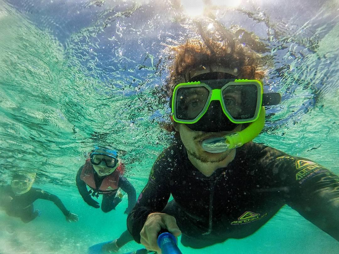 Bucear en Australia con tu familia es un Plus, que tu bastón lo puedas usar infinitas veces en el agua salada y siga como nuevo también es un Plus! #PrismaPolePlus