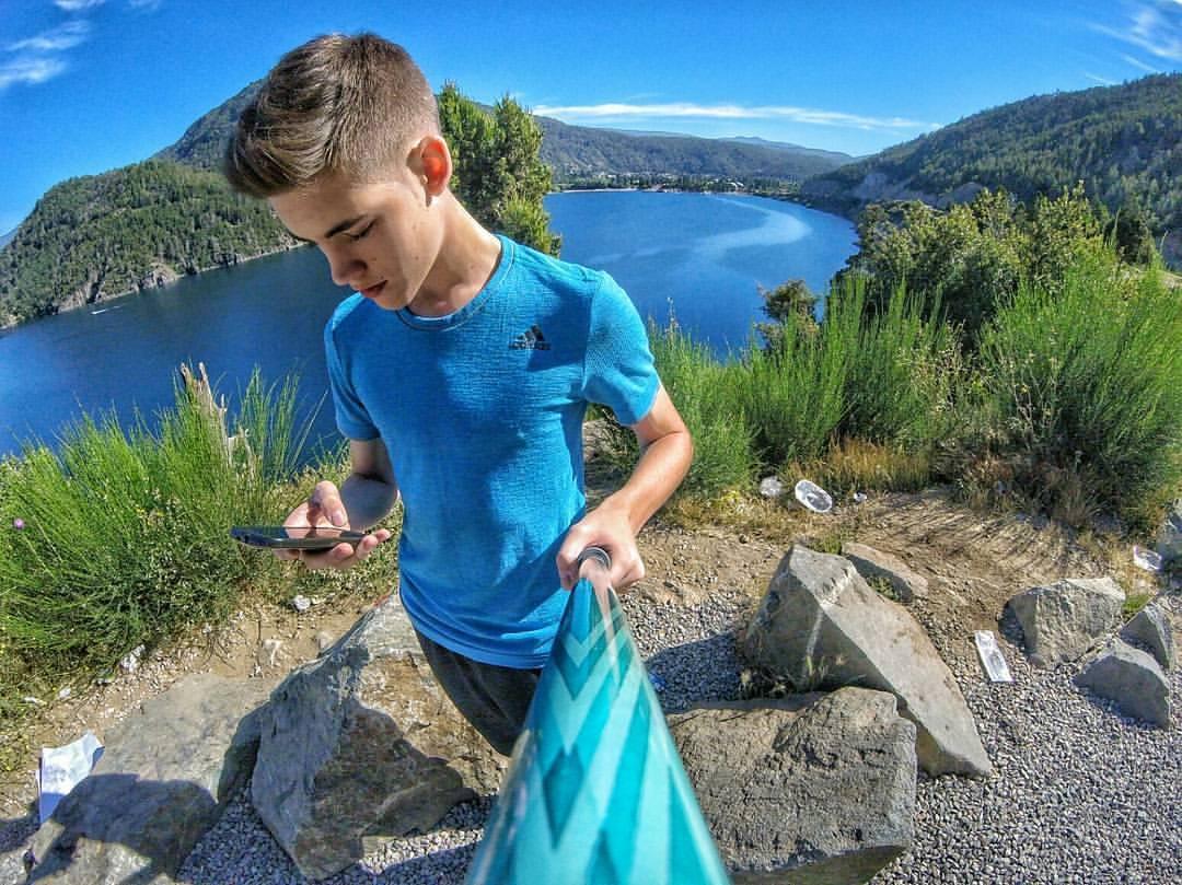 @agustin_chala sacó este foton con su #PrismaPole Pixel desde este rincón del lago, una postal!
