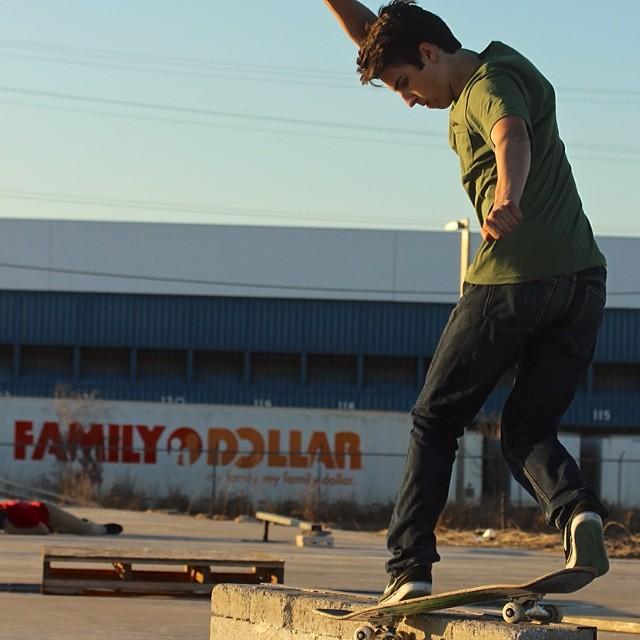 Team rider from #northcarolina @johlando124❄️#skateboarding #frostyheadwear