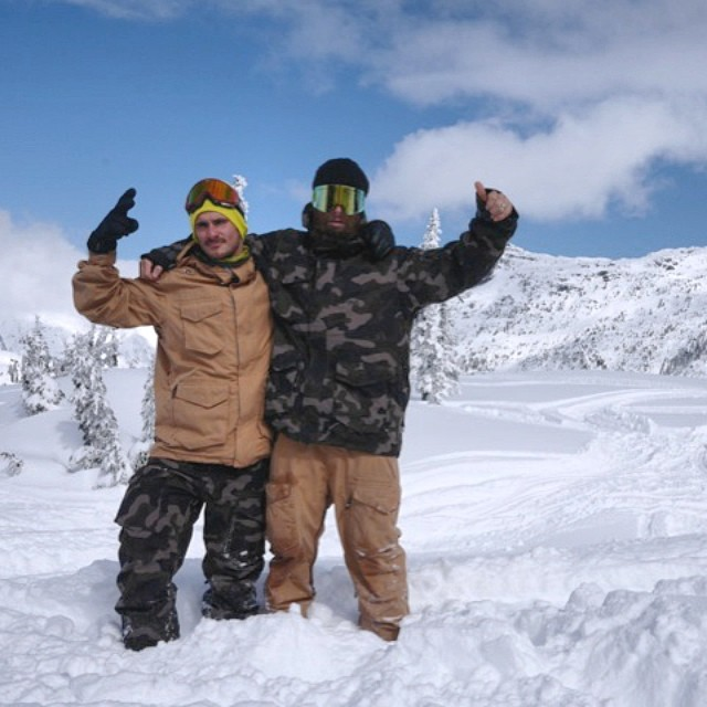 Opposites attract. #Manbuds @chrisrasman @shaunmmckay enjoying a morning together up in #BC . #Manboys @libtechnologies @k2snow @snowboardermag @snowboardcanada
