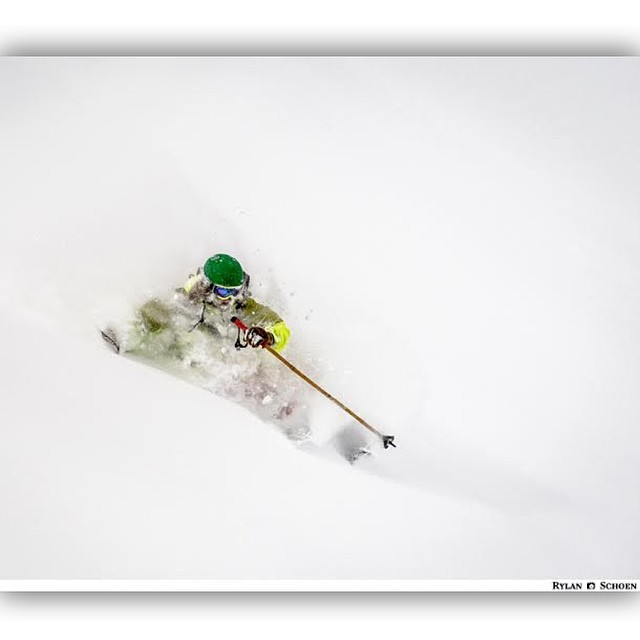 It doesn't get much more clear than this... Skier: Adam Roberts Photo: Rylan Schoen  @adamroberts_skier @rylanschoen  #magicskiwands #pandatribe #pandalanche