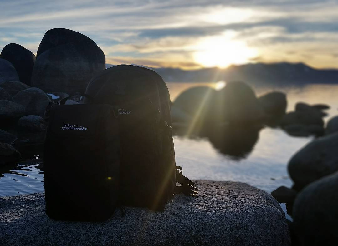 Beautiful colors from the #sunset tonight.  Quick trip down to the water with the Tahoe pack and cooler. #tahoesnaps #laketahoe #getoutside #whatsyour20 #backpacks #coolers #graniterocx