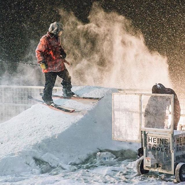 @cam_riley setting up a feature for @xgames #realski #shapingskiing | photo: @baldwinch