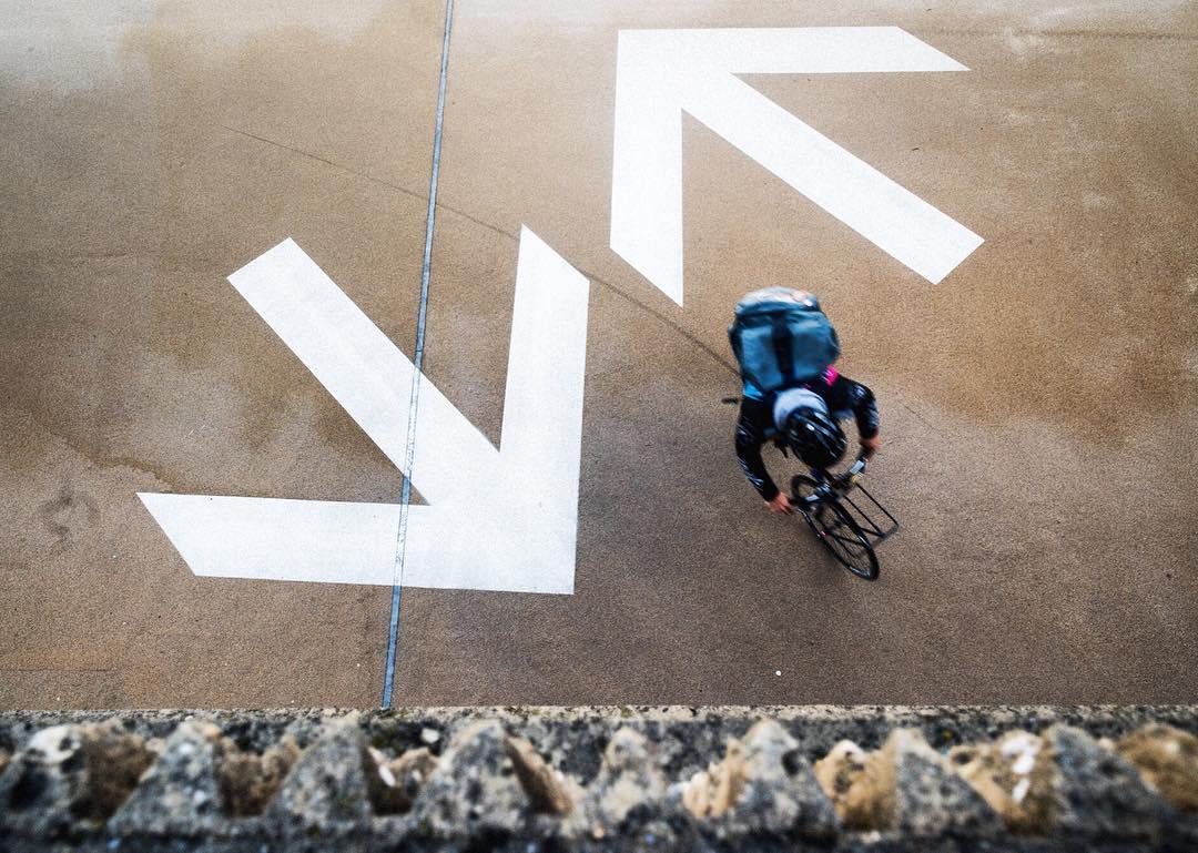 ↘️↖️ #boombotix  #Portablespeaker #bluetoothspeaker #lifestylebrand #essential #audiophile #bicycles #bikemessenger