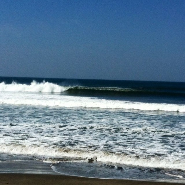 """Photo of the day: """"Fun SOLID surf!"""" — Fun· Chest(3ft)· Glassy· FewPeople (via Jhon Ocanto) — at El Transito, Nicaragua #goFlow #photooftheday #nicaragua #surf"""