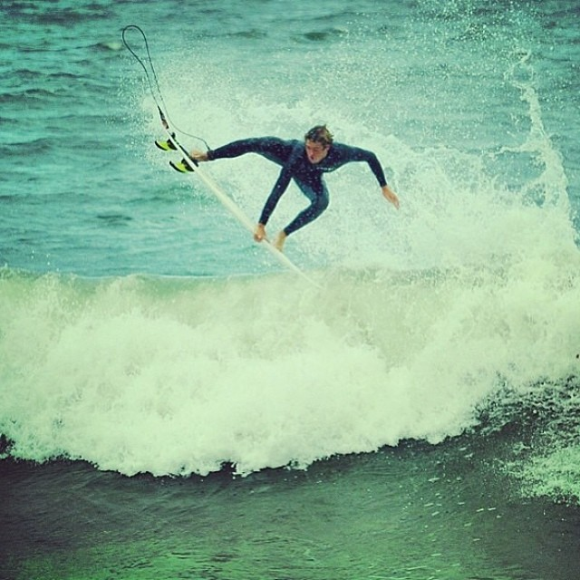 Feli Suárez @felisuarez1 y sus entrenamientos!!! #goFeli #volcomfamily #surf #Volcom #buendia