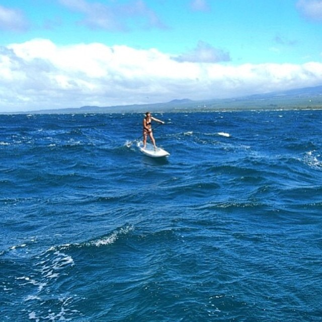 Bailey Rosen on the North Shore. #baileyrosen #miola #miolainaction #sup #downwindpaddling #downwinds