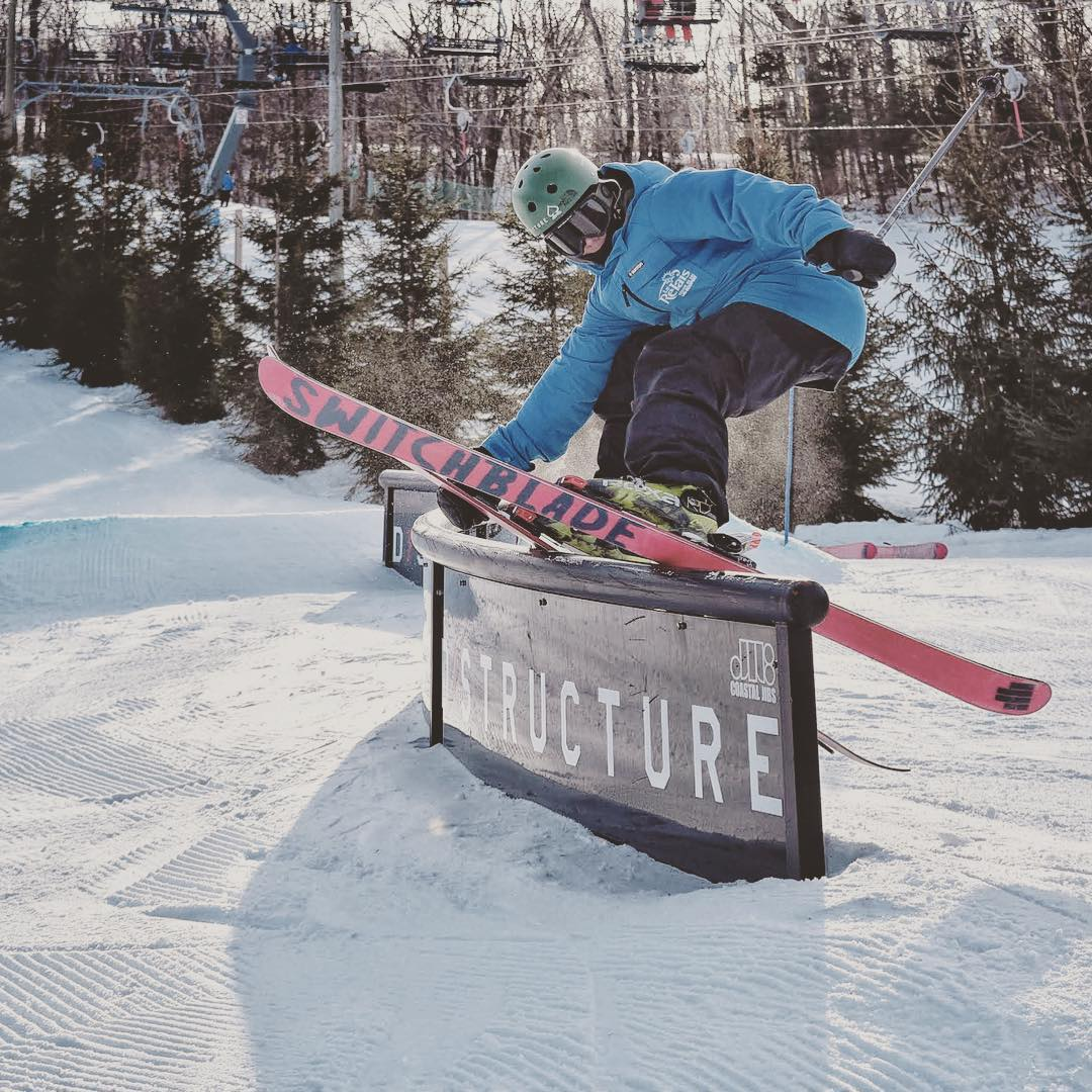 @jpbrochu taking advantage of the new S-rail at le Relaise on his switchblades. #shapingskiing | @dstructureshop