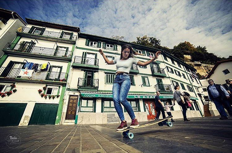 LGC Basque Ambassador @maitanerascon featured in the latest @skateslate's Miss Monthly with the photo by this beautiful photo by our girl @noelia_otegui. Yeah ladies!! #longboardgirlscrew #womensupportingwomen #skatelikeagirl #lgc...