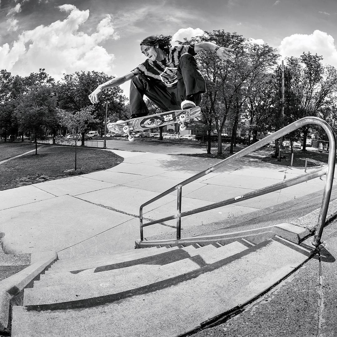 @starheadbody ollies from bank to bank over the bar in Pittsburgh. Photo: @blabacphoto. Dcshoes.com/evansmith #dcshoes #dcevansmith