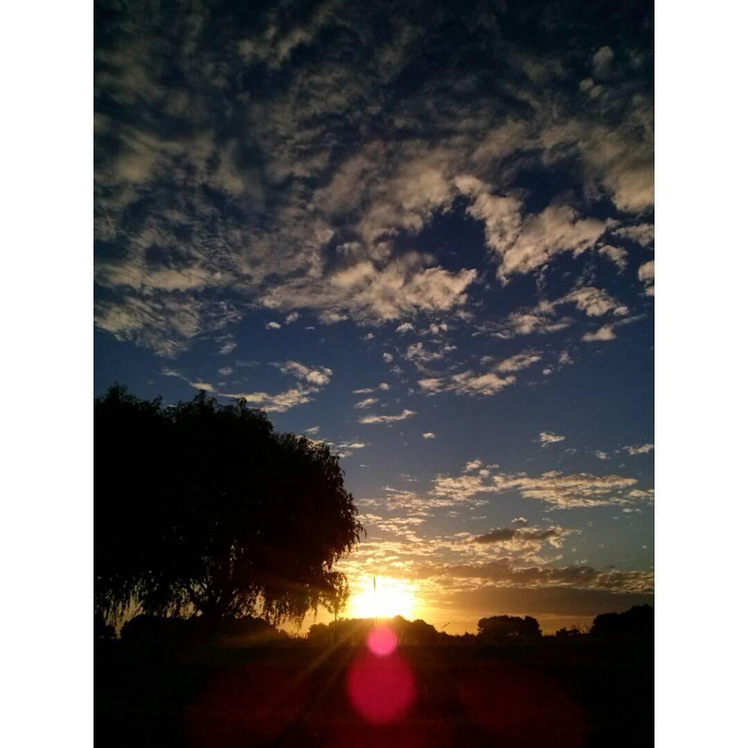 No hay paleta más variada que la propia naturaleza. #amoesto #NuevaAtlantis #NA #cielo #sky #atardecer #tramonto #sunset