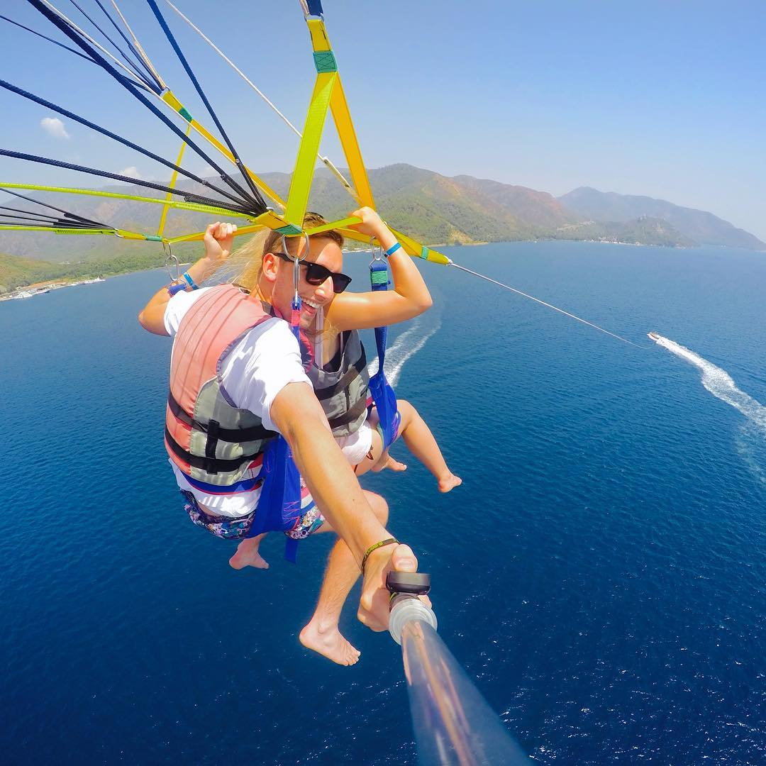 @_alexcoop parasailing in Marmaris, Turkey. Control your GoPro from your fingertips by attaching GoPro Smart Remote to GoPole Evo with the included remote clip. Shop now by clicking the link in our bio. #gopro #gopole #gopoleevo #parasailing