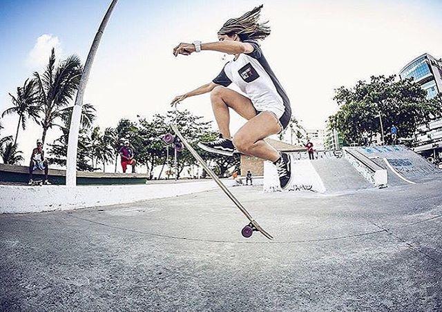 Summer vibes from LGC Brazilian rider @_crissmelo.  Photo by @felipebrasillp  #longboardgirlscrew #womensupportingwomen #skatelikeagirl #lgcbrazil #crissmelo #brasil
