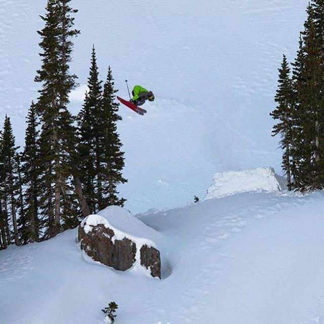 @t_hayne and a floater for @goodcompanyski | #shapingskiing | Photo: @sam_c_watson