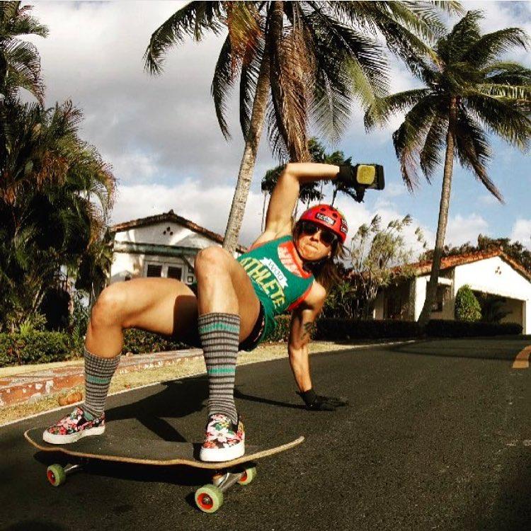 @longboardgirlscrewpma Ambassador @ginamendez88 slayin! ⚡️⚡️⚡️ Photo cred?  #longboardgirlscrew #womensupportingwomen #skatelikeagirl #lgcpanama #lgc #ginamendez