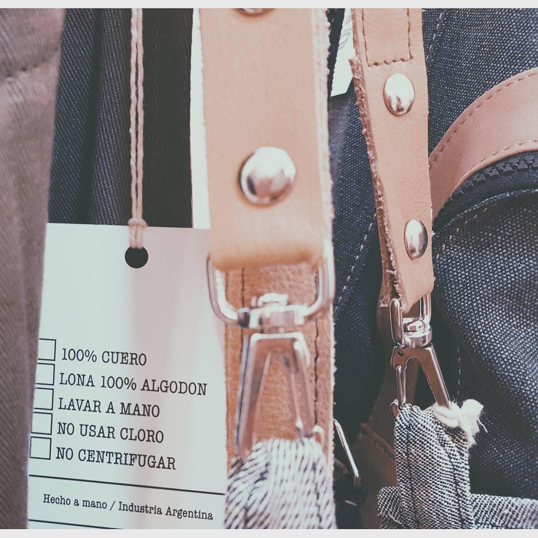 Detalles en @junta_monton  #vscocam #design #buenosaires #detail #backpack #hechoamano