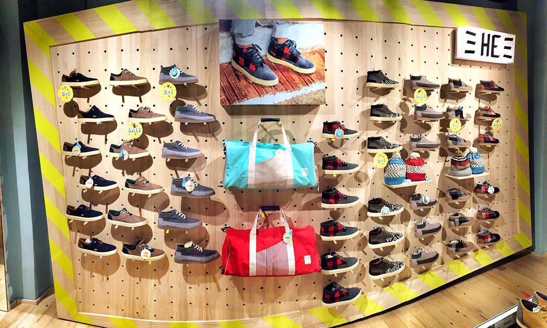 Un vistazo a la Paez Flagship Store en Barcelona, Olé! - Paez Flagship Store Barcelona full of colors