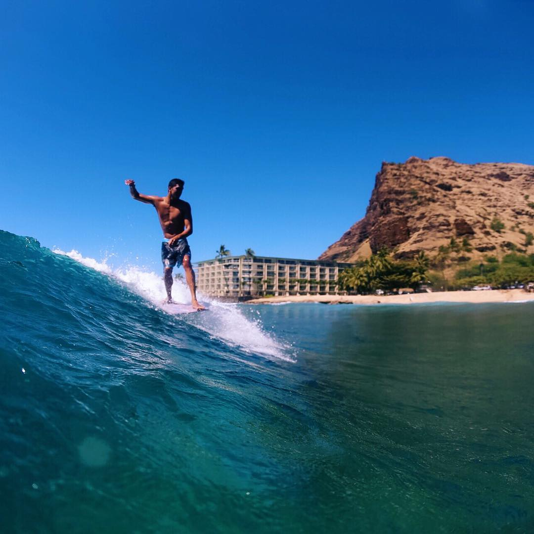 Morning slides with Team Rider @nelsonahina_3rd today in his Higher Ransom boardshorts #inspiredboardshorts