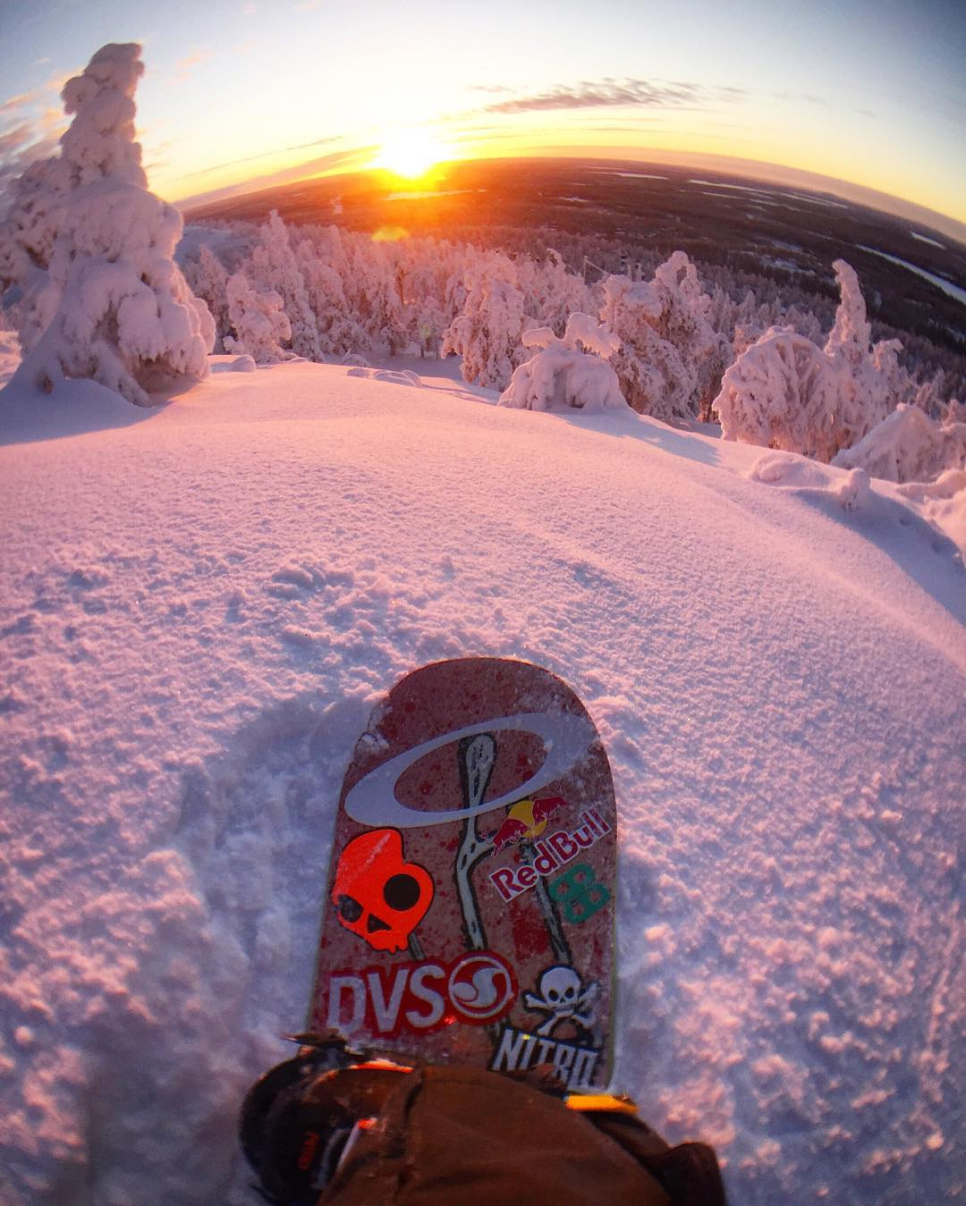 Untouched perfection.  @eeroettala with a view any snowboarder or skier would crave.
