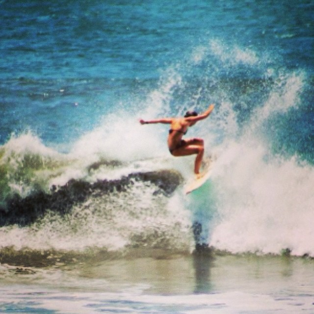 "Allison ripping!"" — Fun · Chest (3ft) · Glassy · Few People (via Jhon Ocanto) — at El Transito #goFlow #nicaragua #surf"