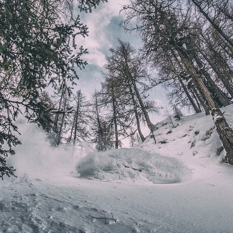 He's been working hard to get a quality PANDALANCHE photo, and his hard work has finally paid off... Sebastian Fischer breaks loose a surreal Class 5DD+ #PANDALANCHE recently in the central Alps!  #TribeUP Seb!  Photo: Vanaisa.EE  @fischseb...