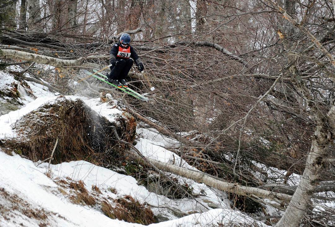 Congrats to our good friend Alonso Darias for walking away with a 1st place finish last week at the Stowe Freeride Challenge! Get dirty Alonso! Glad to hear the East Coast has gotten some snow since this shot was taken in last week's comp... #TribeUP...