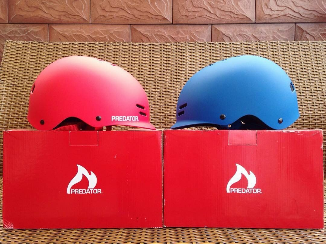 @Regrann from @steezeshop They've got the goods! -  Roses are red, violets are blue. Wear your helmet and you'll be cool.  Predator helmets available here! Don't be loco protect yo coco.  #PredatorHelmets #FR7 #helmet #Regrann