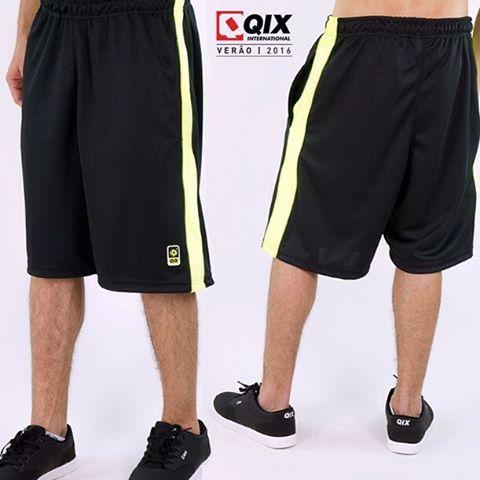 Bermuda QIX Sport Preta Neon - Verão 16. Disponível nas lojas de todo o Brasil.