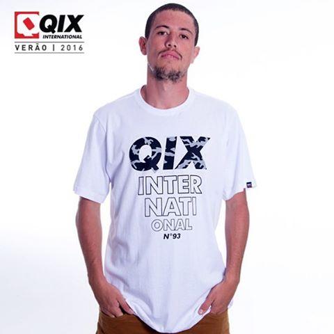 Coleção de camisetas QIX Basic Verão 16. Disponível nas lojas de todo o Brasil. @samuel_jimmy