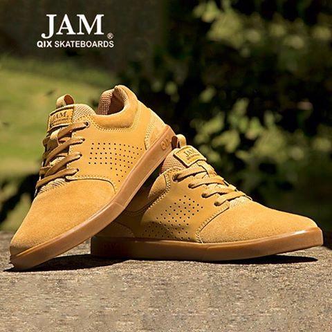 QIX JAM IV. Um tênis de skate com design atual, leve, confortável, resistente e estiloso.