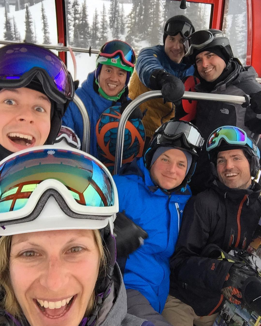 Gangs all here! #skitrip #whistler #peak2peak #snowboarding #happyshredding #happyplace #squadgoals