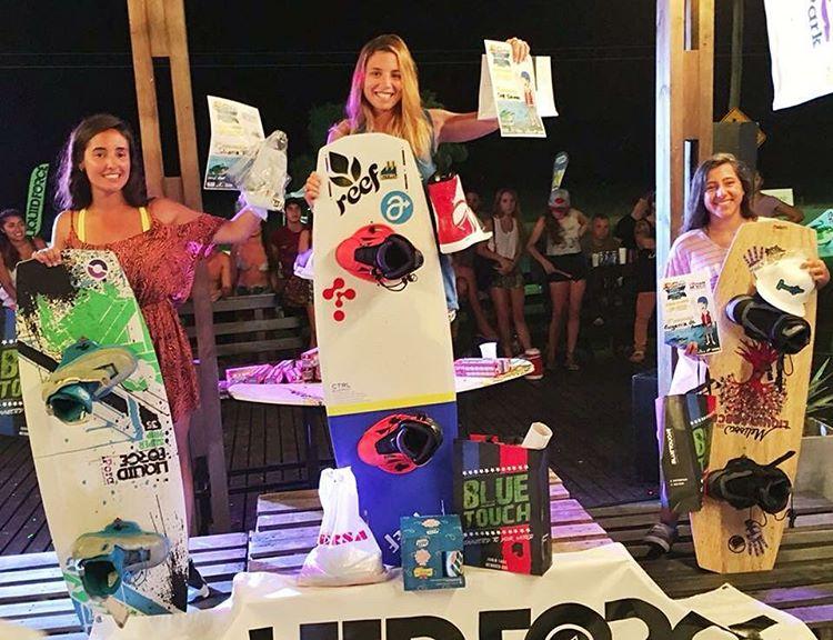 Felices por otro podio de nuestra #reefgirl @sofygrimauu - la viene rompiendo en el circuito argentino de #cablewake - esta vez en San Jose, Corrientes se corono con el primer puesto! Felicitaciones genia!!! Sigan a @sofygrimauu en su Instagram - La...