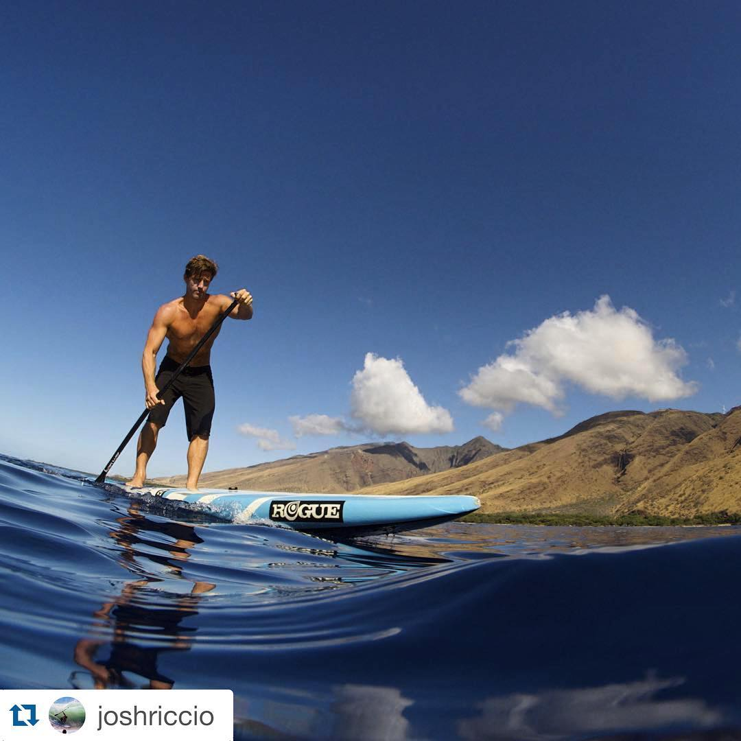 #Repost @joshriccio with @repostapp. ・・・ Happy Aloha Friday  @roguesup #roguesup #playhardpaddleharder  @27north #strengthinnumbers  @harimarishoes #sandals #sup #aloha #friday #hawaii #maui