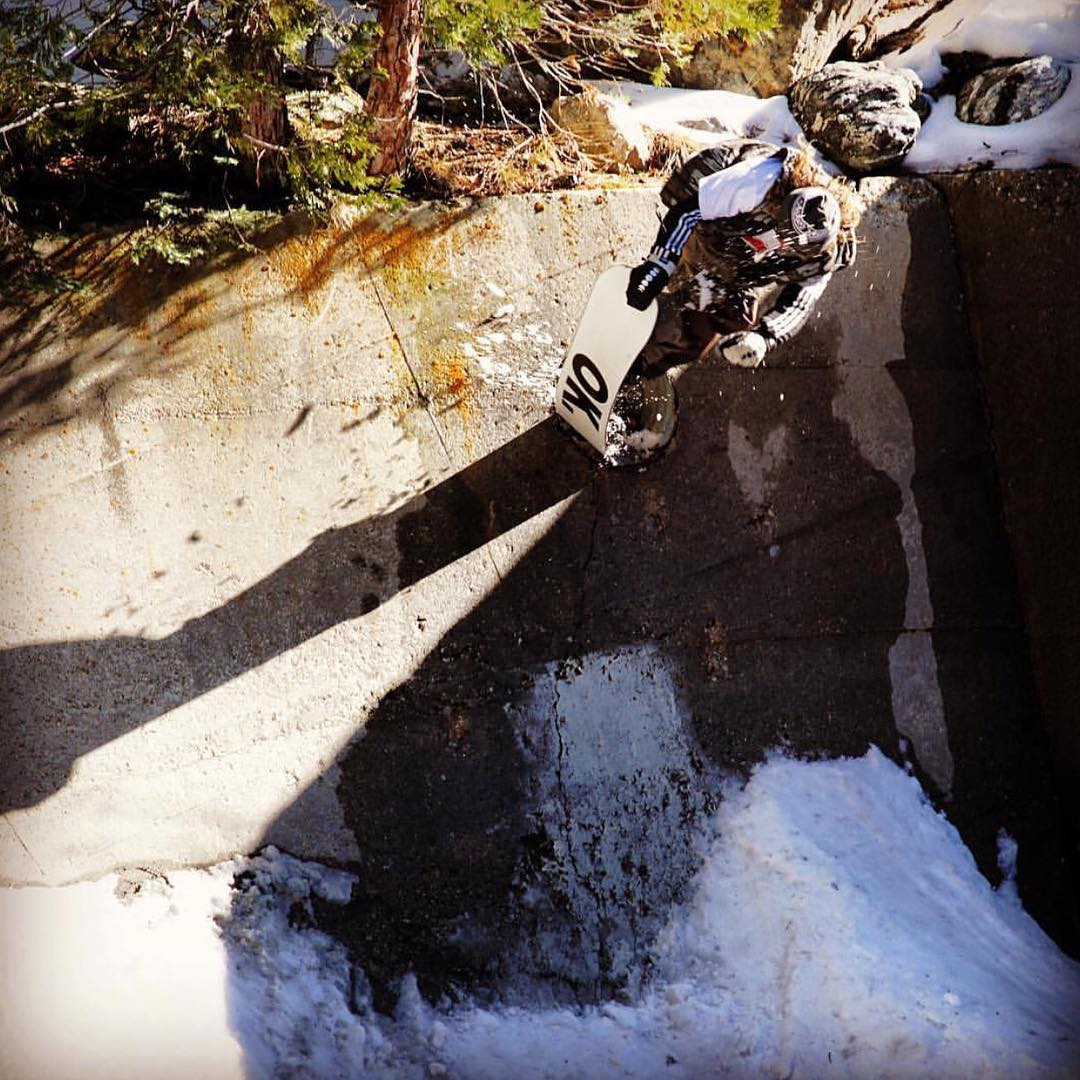 @firstname_lastname100 tail blocking that hole #BigBear | #weareOK | #ForRidersByRiders | #handmadeUSA | #SmokinSnowboards