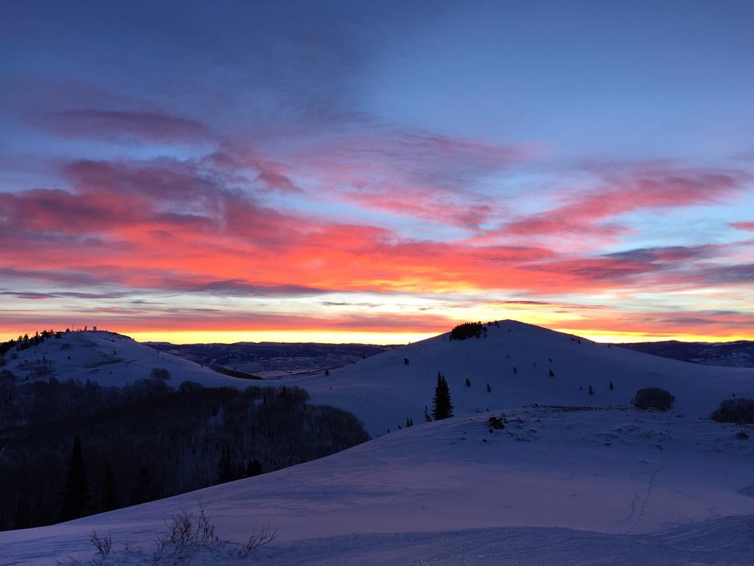 nothing like a sunrise in the wasatch. happy friday! // #soulfulsituations