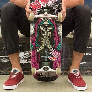 Simple #SpiralSkateboarding #GoSkate #QualityShoes @lucasvampirledezma @ehparkparadise_skatepark