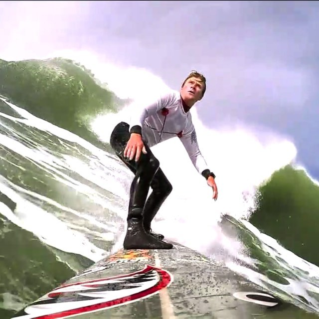 "#MarkHealy @donkeyshow just broke a new board & shrugged off a 2️⃣ wave hold down, and then ""cruised"" (as seen by his @gopro camera) into the semi-finals of the @titansofmavericks contest"