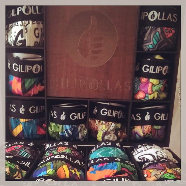 ⚠Franquicias⚠ GILIPOLLAS ® #Underwear #Franquicias #CoolBoxer #Man #Woman #ShowTime #Gilipollas #Franchise #Summer #Style #BuenaMadera #Box #Lifestyle #iloveit #Surflife #Skateshop #Surfshop #Store