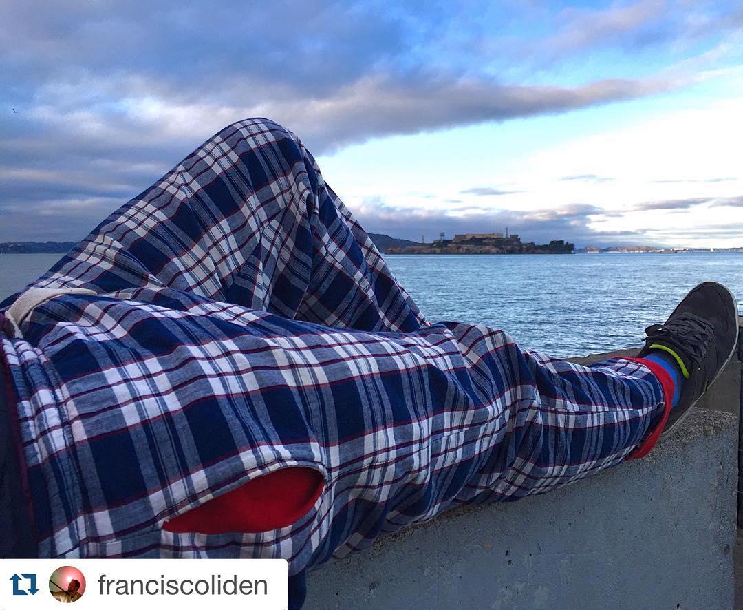 Gran foto de @franciscoliden #DomingosConOnda #USA #SanFrancisco ・・・ Últimos días de este gran descanso...siempre @tiendasuarez